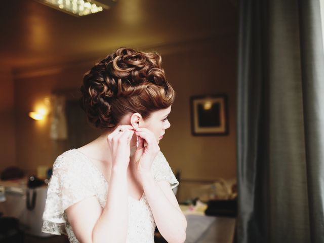 20 Beautiful Wedding Bun Hairstyles