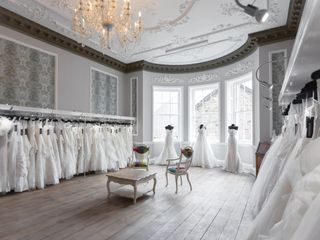 How to Find the Wedding Dress Shop of Your Dreams
