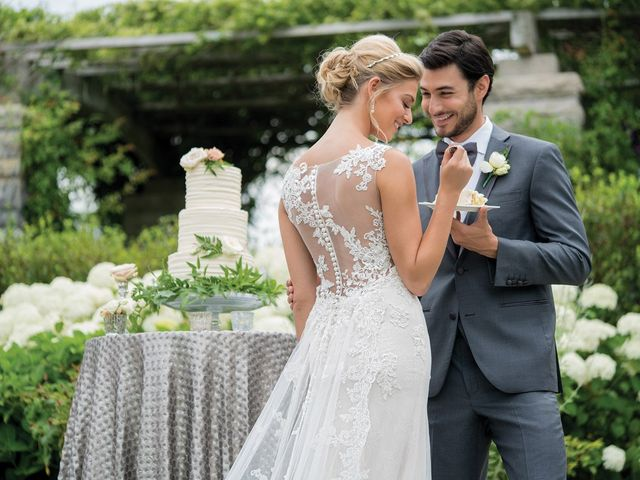 50 Dreamy Lace Wedding Dresses for Every Type of Bride