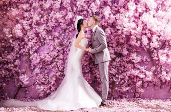 Flower Wall Wedding: Cost-saving ideas