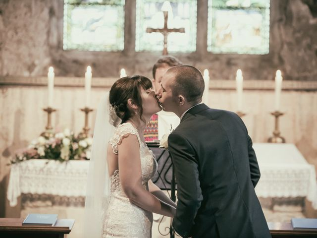 Discover the Order of Service for a Church of England Wedding