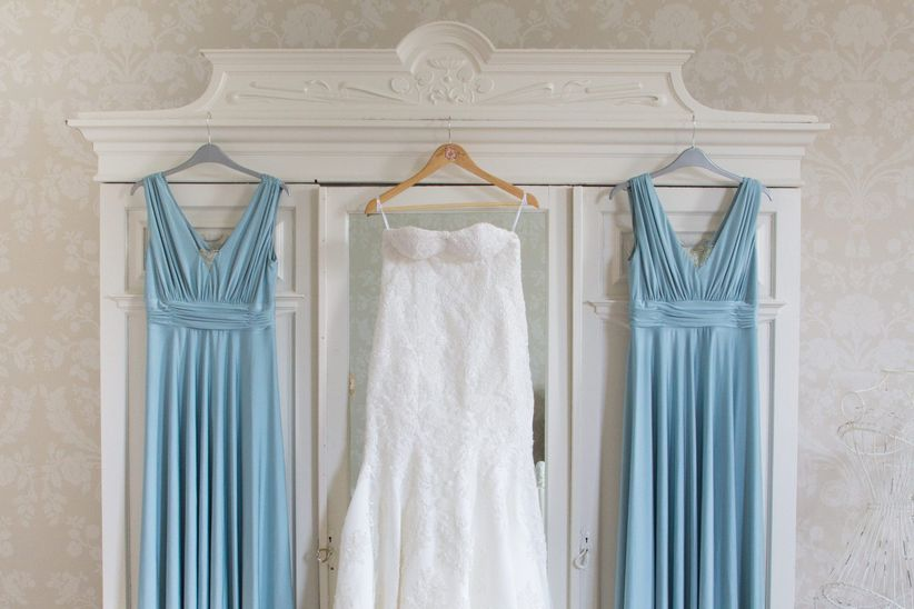 7 Essential Tips for Wedding Dress Shopping