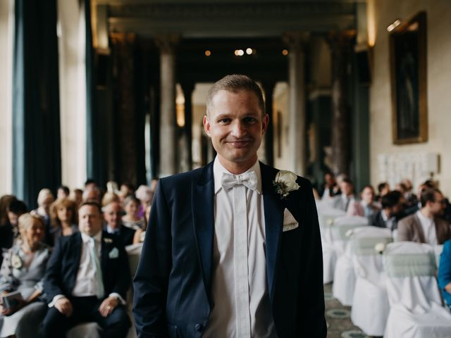 6 Things a Groom Should Do on His Wedding Day
