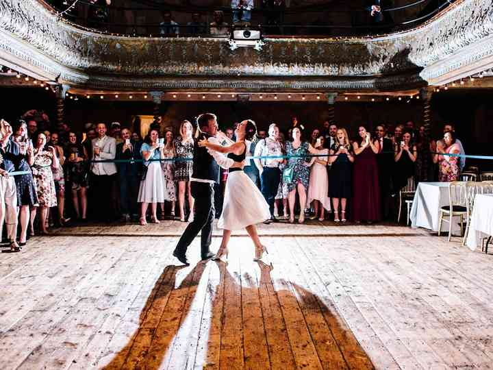 Best Wedding First Dance Songs.The Best First Dance Songs For A Vintage Wedding