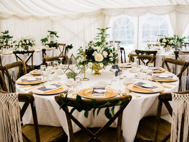Everything You Need to Dress Up Your Wedding Reception Tables
