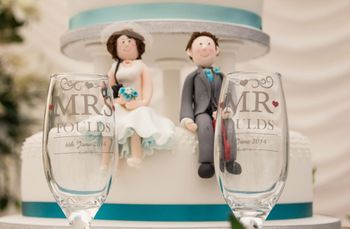 5 Unique Ideas for Personalised Wedding Cake Toppers