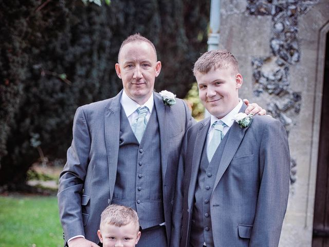 Martyn and Stacey's wedding in Hitchin, Hertfordshire 5