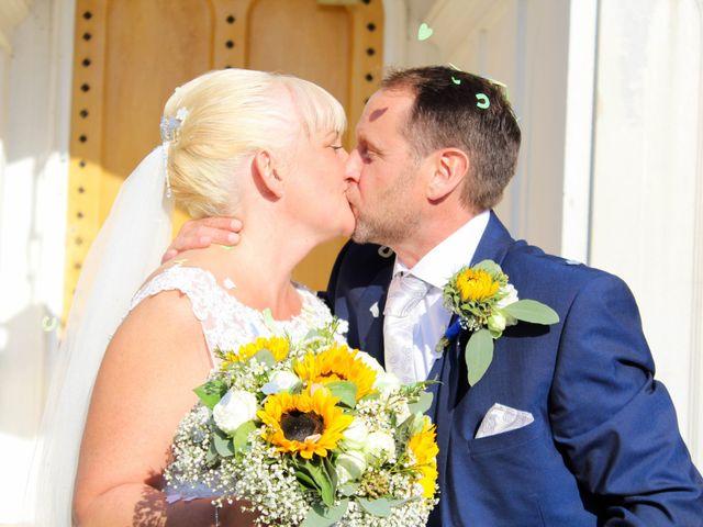 Jason and Lisa's wedding in Hertford, Hertfordshire 3