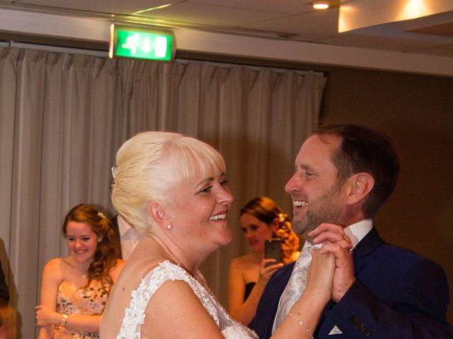 Jason and Lisa's wedding in Hertford, Hertfordshire 4