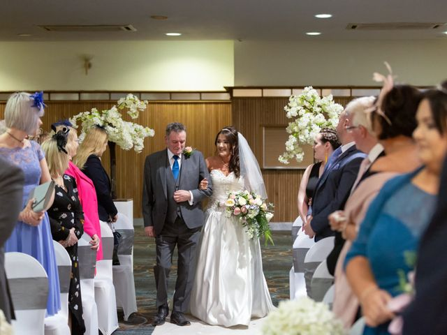 Jim and Laura's wedding in Belfast, Castlereagh 8