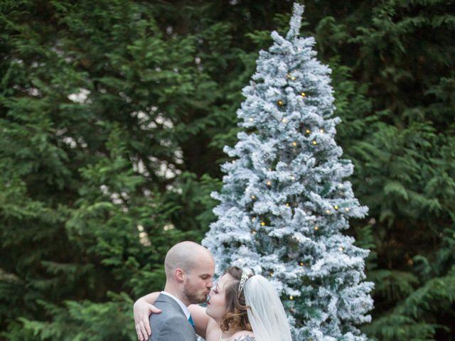 Melanie and Liam's wedding in Aldermaston, Berkshire 9