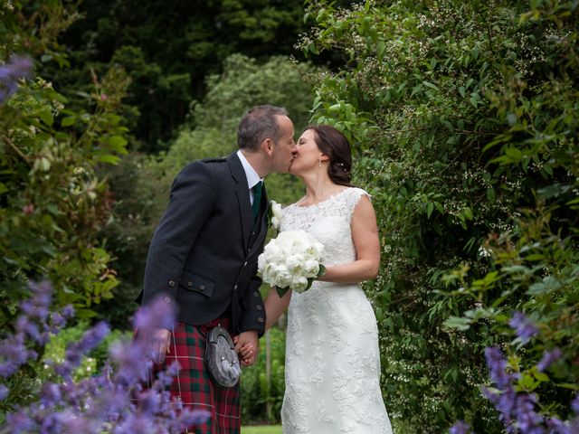 Richard and Lydia's wedding in Crathes, Aberdeenshire 5
