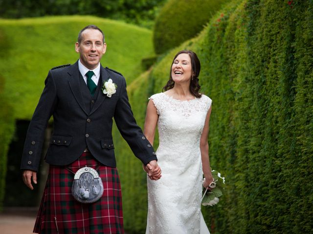 Richard and Lydia's wedding in Crathes, Aberdeenshire 10