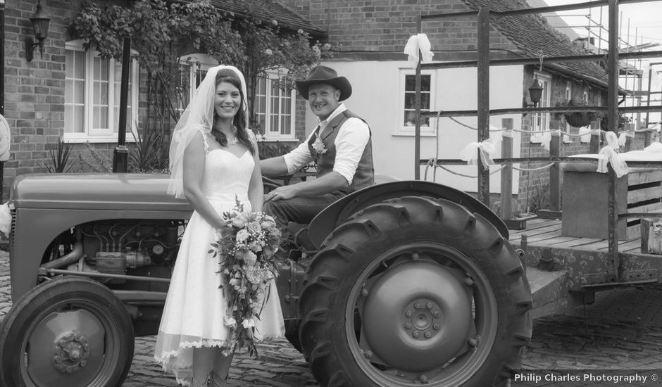 Peter and Jamie-Leigh's wedding in Nuneaton, Leicestershire