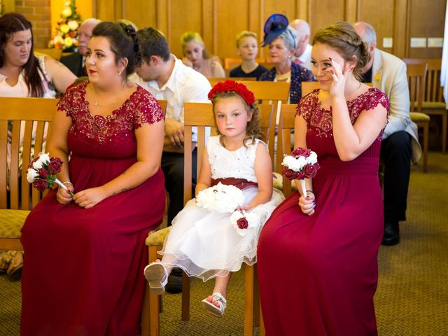 Carl and Sarah's wedding in Mansfield, Nottinghamshire 3