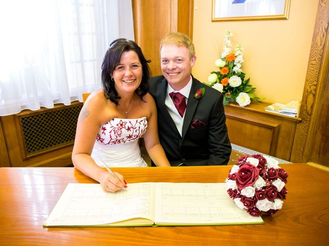 Carl and Sarah's wedding in Mansfield, Nottinghamshire 6