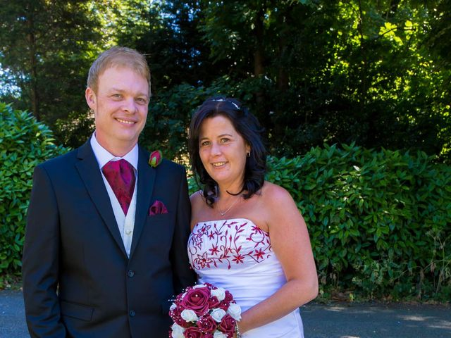 Carl and Sarah's wedding in Mansfield, Nottinghamshire 8