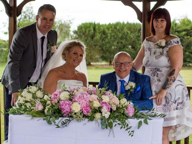 Sharon and Neil's wedding in Dunton, Essex 5