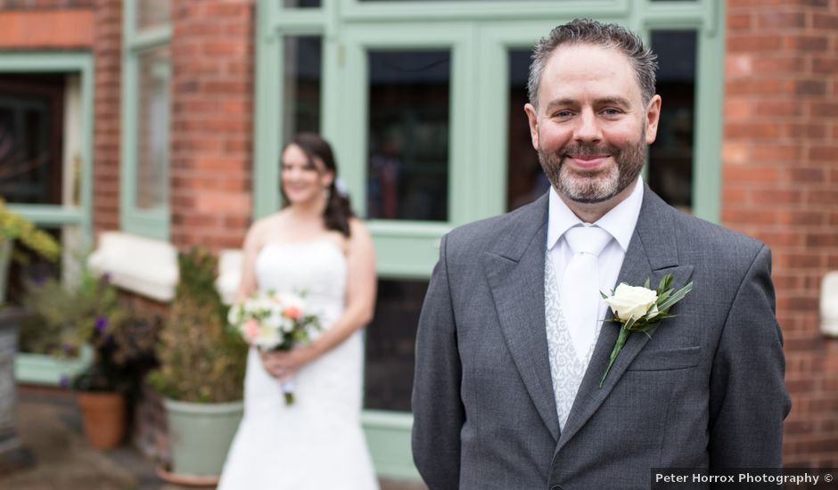 Paul and Aimee's wedding in Birmingham, West Midlands