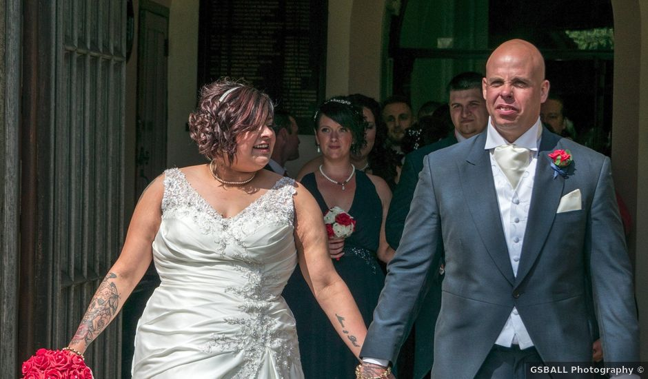 Wayne And Aishas Wedding In Walsall West Midlands