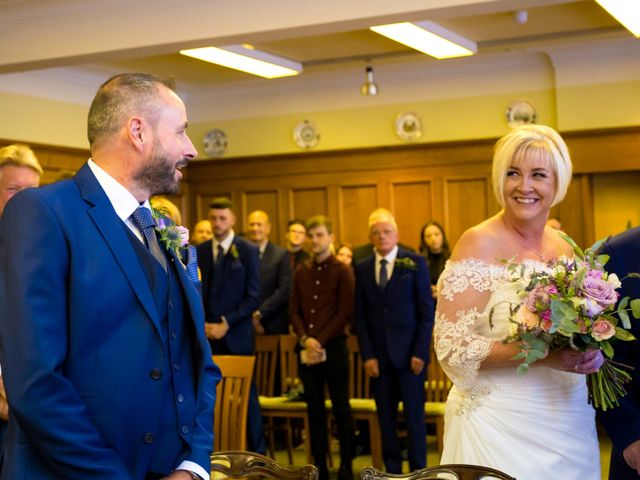 Richard and Alison's wedding in Mansfield, Nottinghamshire 6