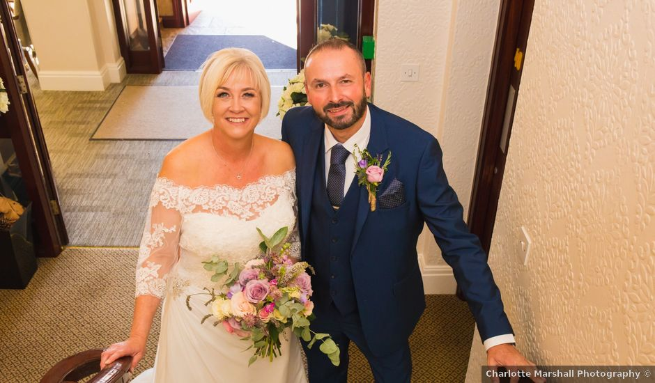 Richard and Alison's wedding in Mansfield, Nottinghamshire